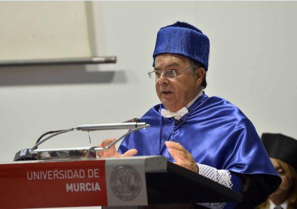 Nuestro Colegiado D. Patricio Valverde, investido doctor 'honoris causa' por la UMU