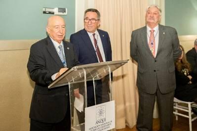 ANQUE impone su Medalla de Oro a Antonio Bódalo Santoyo